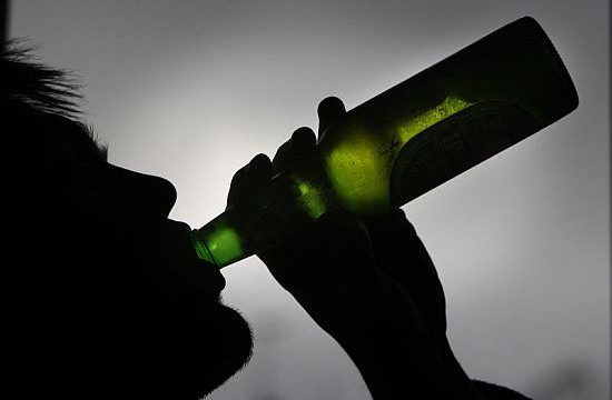 Binge drinking linked to increased stroke risk in middle-aged men
