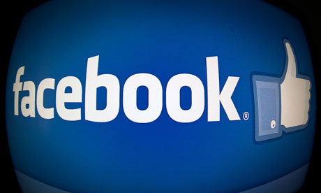 Facebook eases privacy policies for teen users