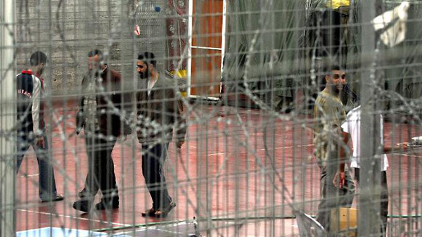 Israel's release of Palestinian prisoners advances peace talks