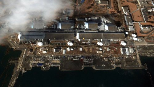 Japan extends clean-up deadline around crippled Fukushima nuke plant to 2017