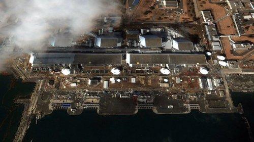 Japan extends clean-up deadline around crippled Fukushima nuke plant to 2017