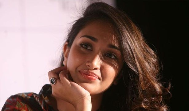 """The Jiah Khan case has taken a new international twist after the dead actress' mother Rabiya Khan asked the US to intervene and has sought help from the Federal Bureau of Investigation (FBI) to aid in the investigations in the case of her daughter's demise. The US government's legal attaché at its New Delhi embassy and chief of American Citizen Services Unit at the Mumbai consulate Rosemary Macray have forwarded their appeal to the state Home ministry, seeking approval to involve the FBI and provide forensic and technical assistance to the city police in the case. On Monday (January 27), Rabiya and her lawyer Dinesh Tiwari were called to the Consulate office at Bandra-Kurla Complex to inform her that they had sought approval from Home Minister RR Patil. The offer to help came after Rabiya wrote a letter to US Ambassador to India Nancy J Powell last October asking for help, as Jiah was an American passport holder. Confirming the same, Rabiya said, """"Once the Indian authorities agree, the FBI will assist in the probe,"""" She added that in a week's time, she would file a petition in the High Court, asking for a fresh probe, saying the police suppressed facts into its probe. Rabiya said that the police had not investigated the case thoroughly. """"If Jiah committed suicide, how could the blood in the other room belong to her?"""" she questioned about the presence of Jiah's blood samples in two different rooms, adding that the police had not explained that in the chargesheet. Another important aspect that the police failed to explain was the injury marks on Jiah's face and neck that were present in the photographs taken by the police, she added. """"I want to find out if Jiah was killed by someone and I want the police to investigate this,"""" said Rabiya. Her lawyer Tiwari also claimed that the statements taken by the police of witnesses were completely contrary to their statements in the chargesheet filed by the cops. """"The facts have been changed and there are many such reasons why w"""