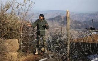Pakistan troops violate ceasefire