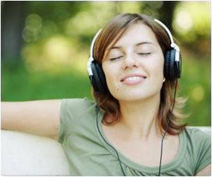 Listening to favourite music can help relieve nagging pain