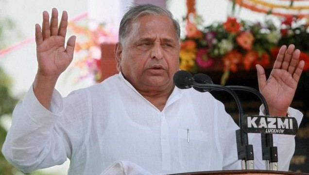 Mulayam Singh Yadav's Party mulls withdrawing support to UPA govt