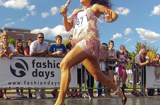 Running in high-heels may lead to knee problems later in life