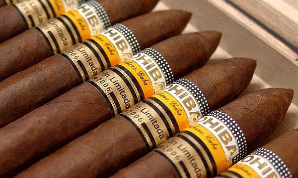 Smoking fruit-flavoured cigars new `dangerous trend` among teens