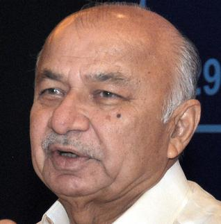 Adequate security provided to Modi: Shinde