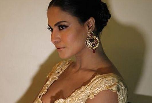 Pakistani siren Veena Malik treated her ex boyfriend as ATM !