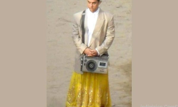 PK : A unit director of Aamir Khan's film crew arrested