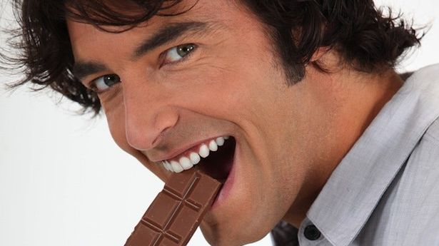 Eating chocolate can boost men's performance in bedroom