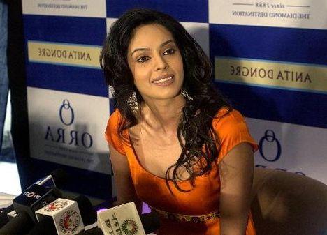 Directors don't take me seriously : Bollywood actress Mallika Sherawat