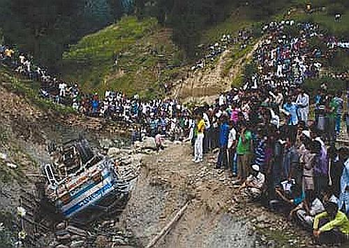 A 17 pilgrims killed in Punjab as truck rolls down a gorge
