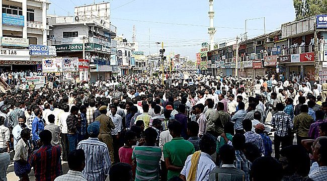 Blackout in all 13 districts in Seemandhra : Telangana turmoil