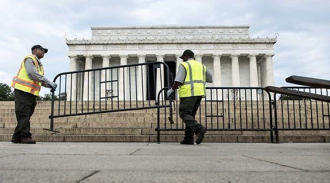 No end to US shutdown stalemate as both sides dig in