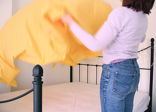 Clean bed sheets top turn-on for women