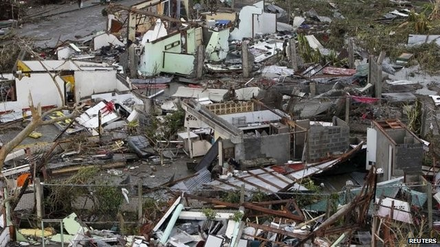10,000 feared dead in Philippines by typhoon 'Haiyan'