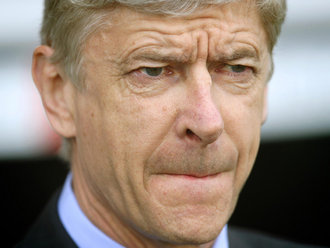Wenger refuses to rule out bidding for Suarez in Jan transfer window