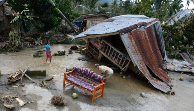 Biggest Typhoon storm of the year slams Philippines