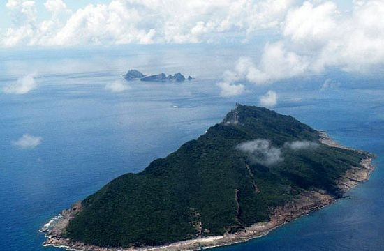 US defies Chinese restrictions by flying bombers over Senkaku islands