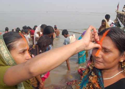 Chhath begins as millions take a holy dip
