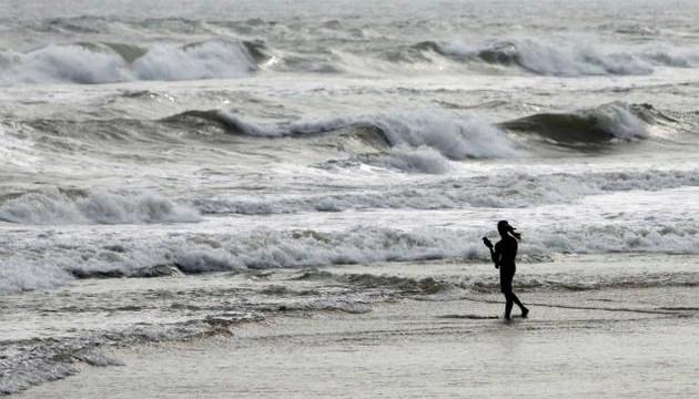 Heavy rains as Cyclone Helen hits Andhra coast, seven dead