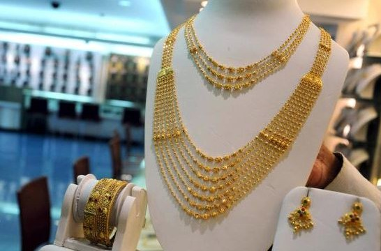 Gold prices gaining by Rs 60 to Rs 31,160 per ten grams