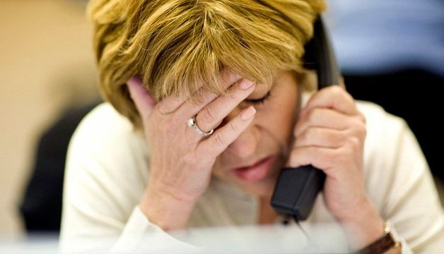 High job strain linked to poor performance by workaholics