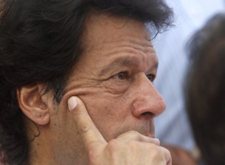 Imran Khan wants Pak govt. to block NATO supplies to Afghanistan