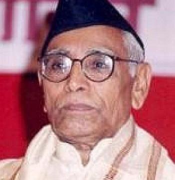 Digvijay Singh has lost his 'mental balance': M G Vaidya