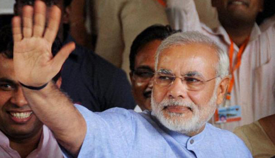 Congress moves EC over Modi's 'khooni panja' barb