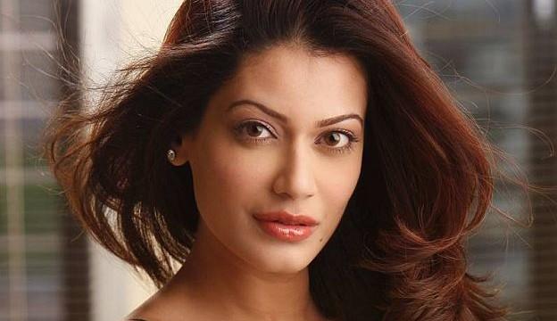 Sangram a do-gooder, says ladylove Payal