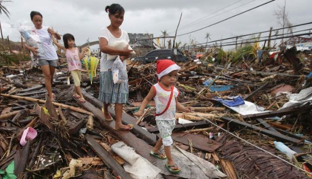 Philippines typhoon: Death toll rises to 1,833