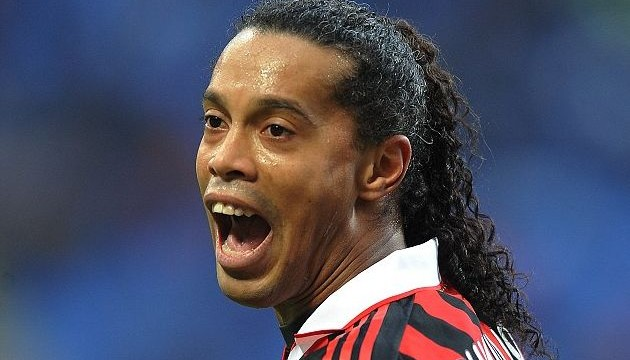 Ronaldinho to play in World Club Championship
