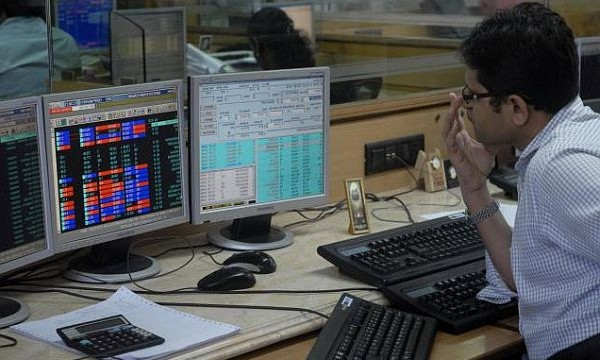 Sensex rises 100 points; capital goods, banking stocks up