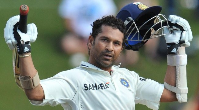 Tendulkar gets a roaring reception at Wankhede