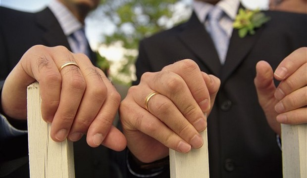 Same-sex marriage drawing overseas couples to New Zealand