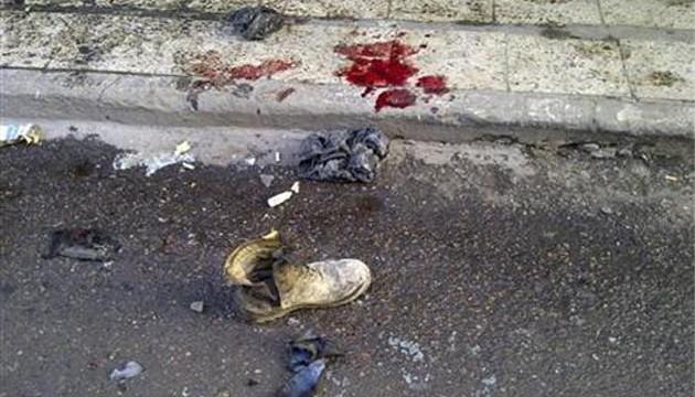 Serial blasts kill 19 in Baghdad