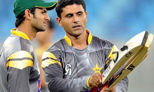 Pakistan to recall Malik, Razzaq for South Africa T20s
