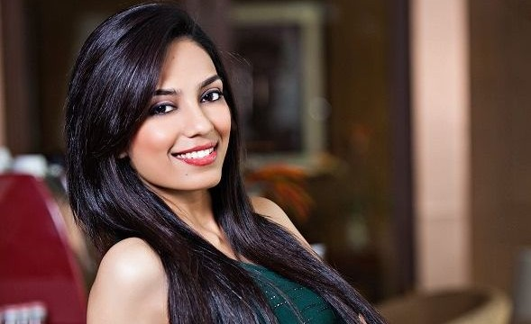 Miss India Earth 2013 promotes safe drinking water