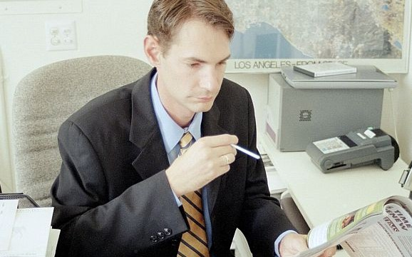 Slapping smoking ban in offices not enough to make workers kick the butt
