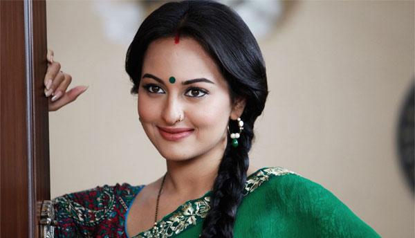 I want to play Rekha's role from 'Khoon Bhari Maang': Sonakshi