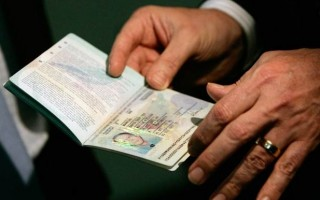 UK to scrap `paid-visa` rule for `high-risk` Indians