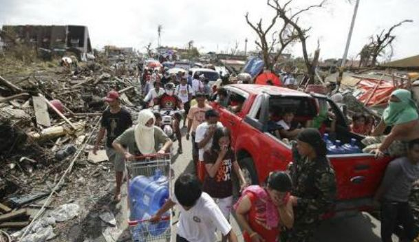 Philippine typhoon toll rises to 5,598