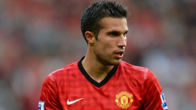Man U's Van Persie ruled out of action for one month after injury