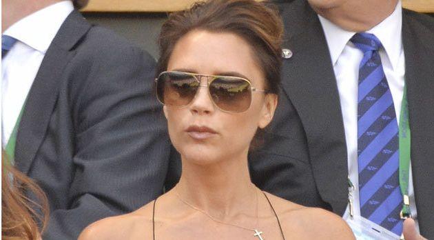 Posh`s wedding tiara fails to sell at UK auction