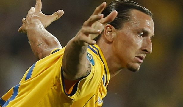 Ibrahimovic taunts Ronaldo with `does not need Ballon d'Or to know he is best` barb