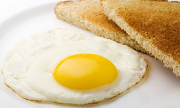 'Protein-filled breakfast helps loose weight'