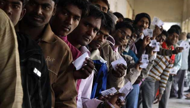 Chhattisgarh Assembly polls 2013: 70% polling in naxal-affected areas