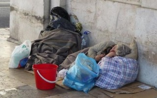 Population of homeless people in NY City and LA has increased by 27 percent